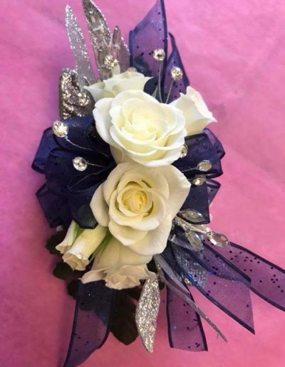 Blue, Silver and White spray roses